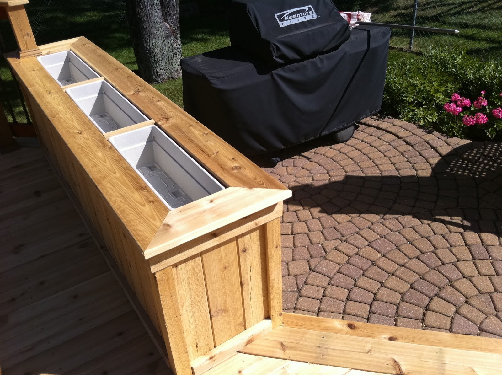 Image of: How to Make Deck Rail Planter Boxes
