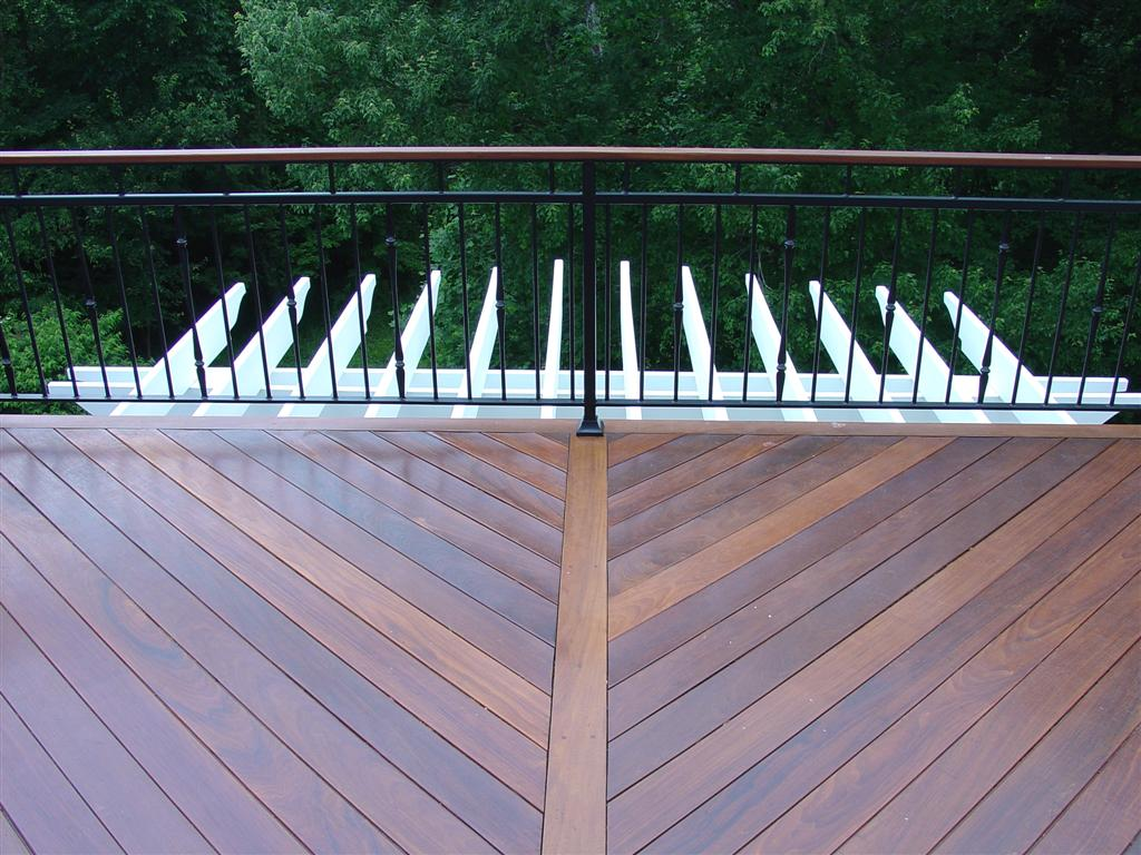Image of: Iron Deck Railing System