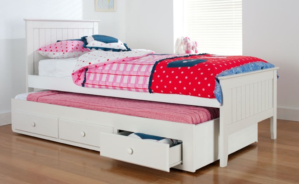 Image of: Kids Bed With Trundle Ideas