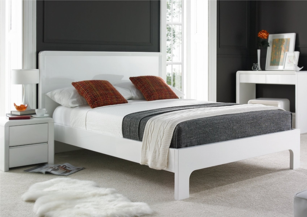 Image of: King Size Bed Frame Plans