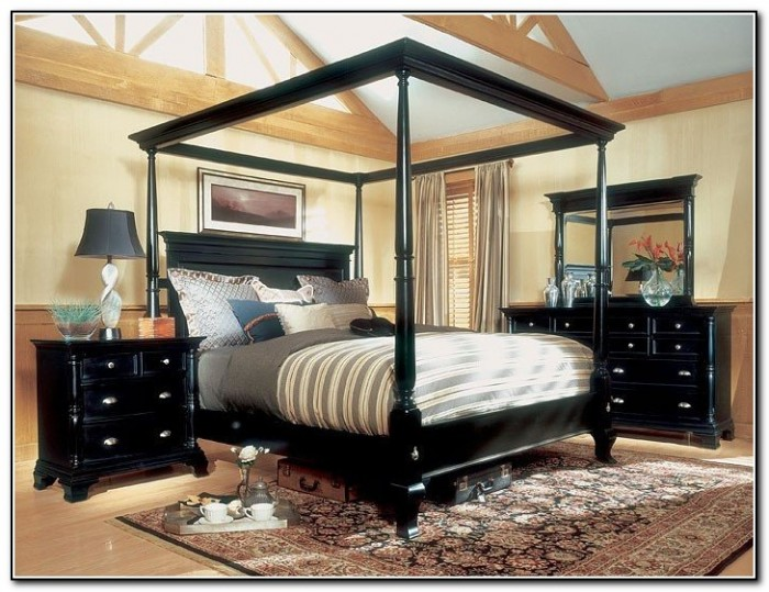 Image of: King Size Canopy Bedroom Sets Canada