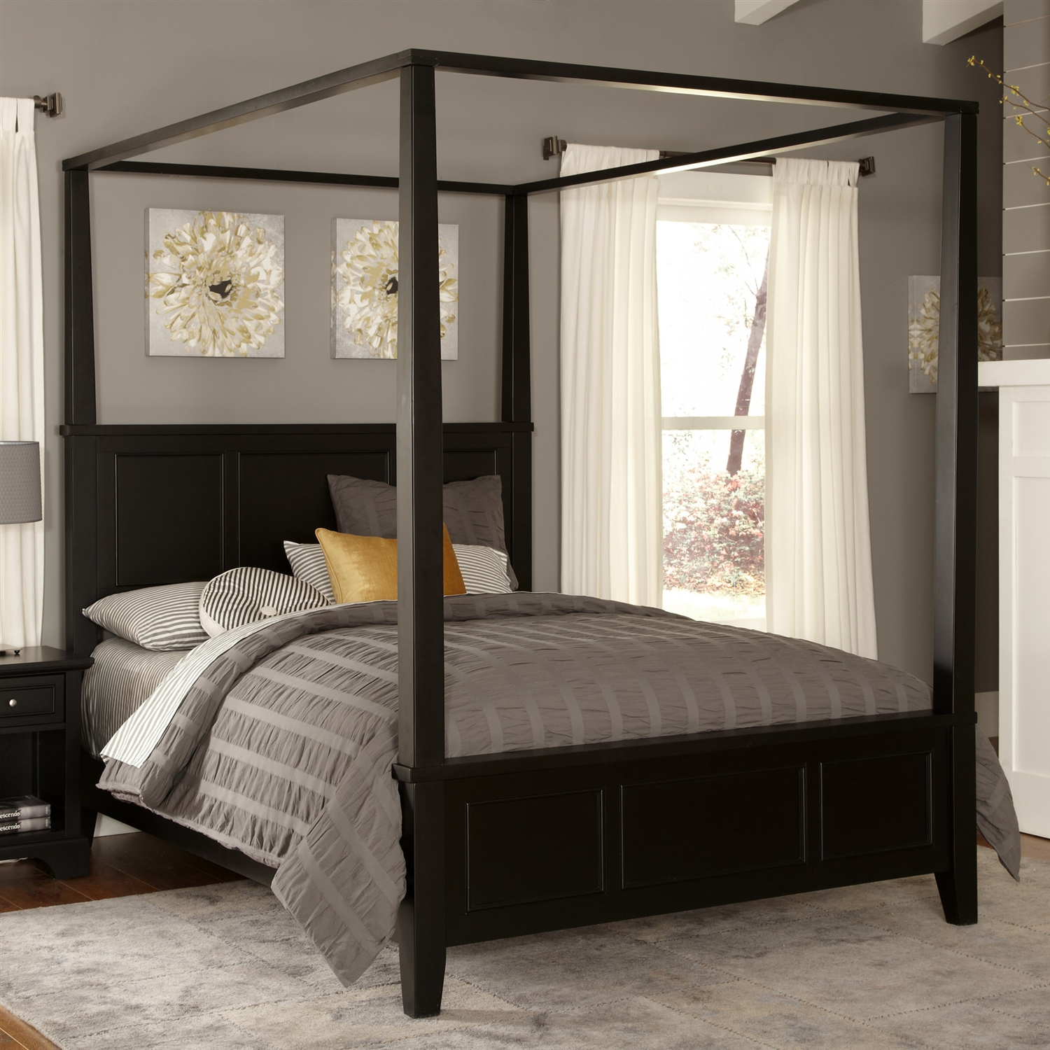 Image of: King Size Canopy Poster Bedroom Sets