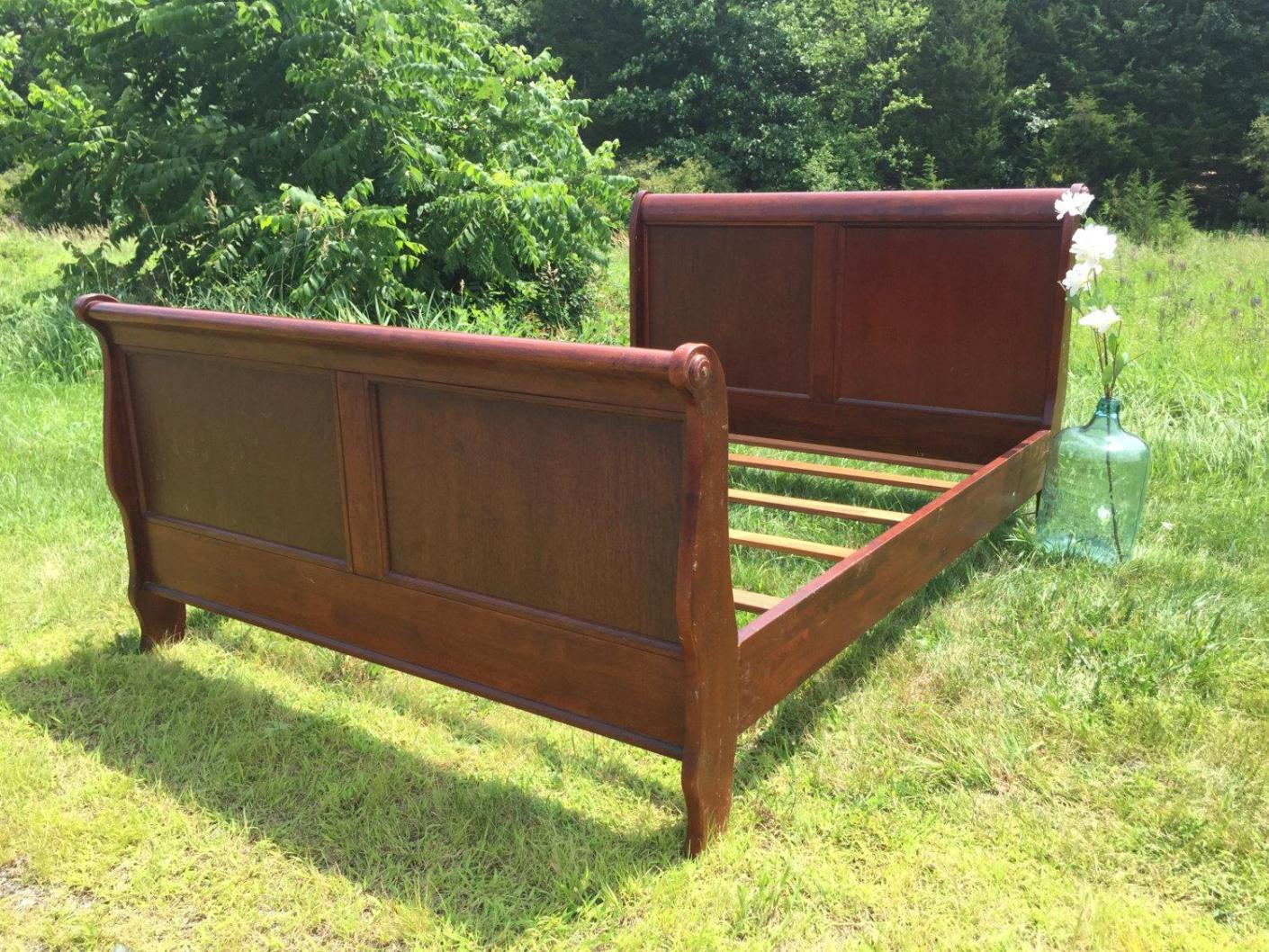 Image of: King Sleigh Bed Frame