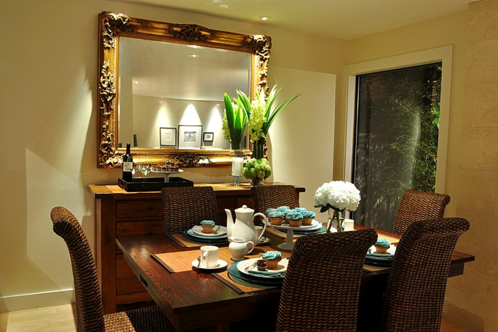 Image of: Large Decorative Wall Mirrors for Bathrooms