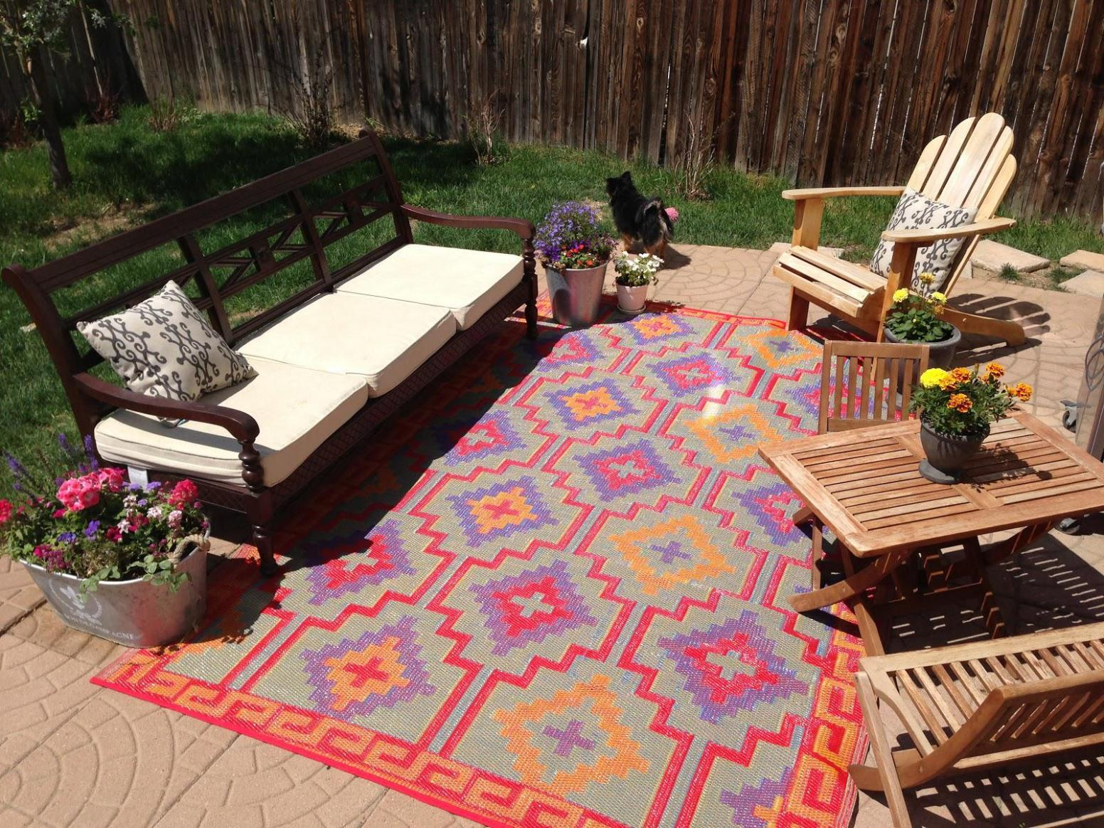 Image of: Large Outdoor Rugs For Patios