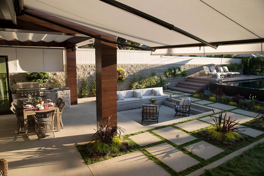 Image of: Large Sunbrella Retractable Awning