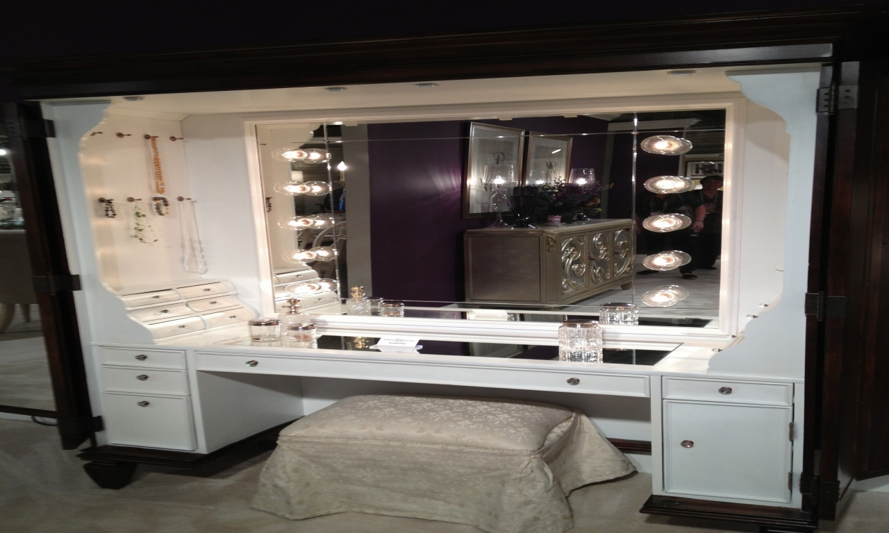 Image of: Large Vanity Table with Mirror and Bench
