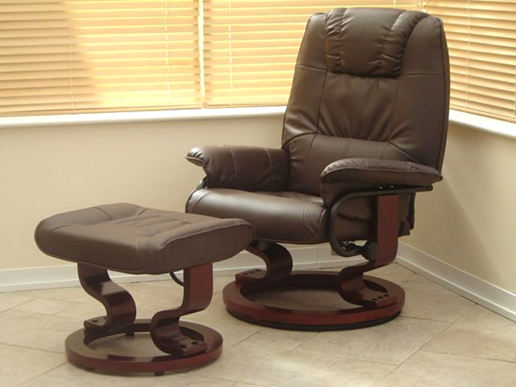 Image of: leather recliner chair what to clean it with