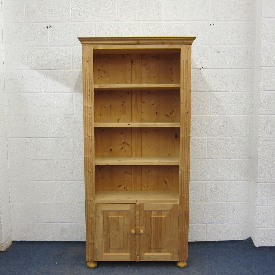 Image of: Light Pine Bookcase