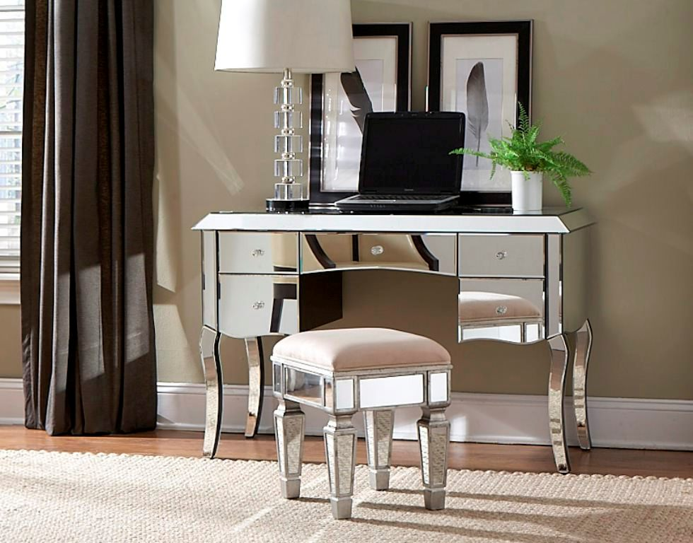 Image of: Linon Harper Mirrored Vanity Set   Silver