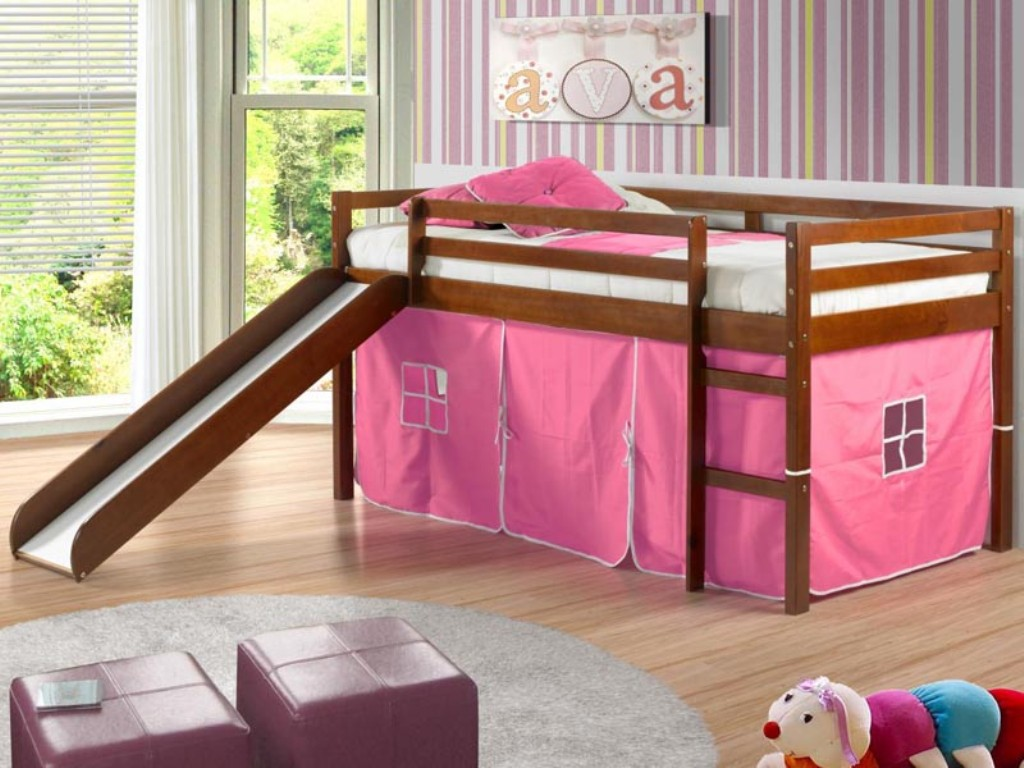 Image of: Low Bunk Beds For Kids Ideas