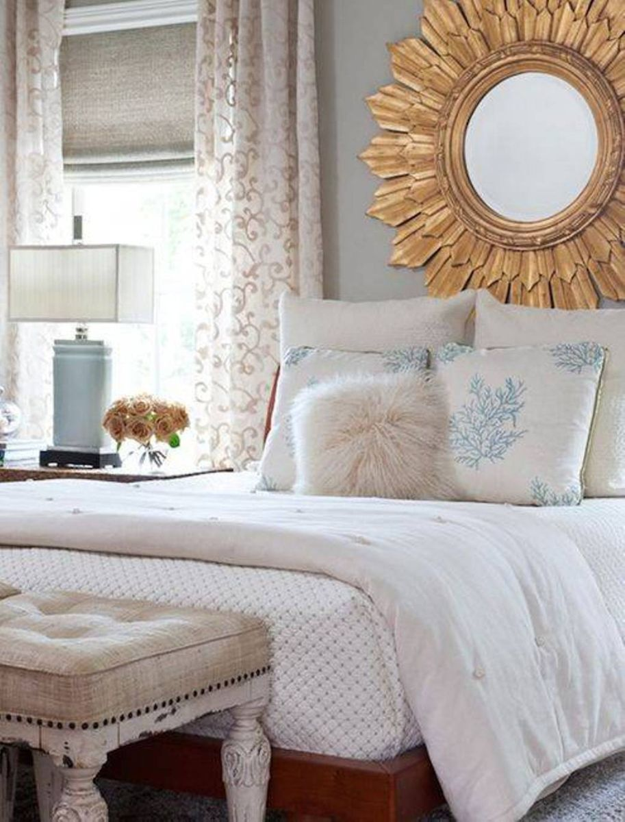 Image of: Luxury Gold Framed Wall Mirror