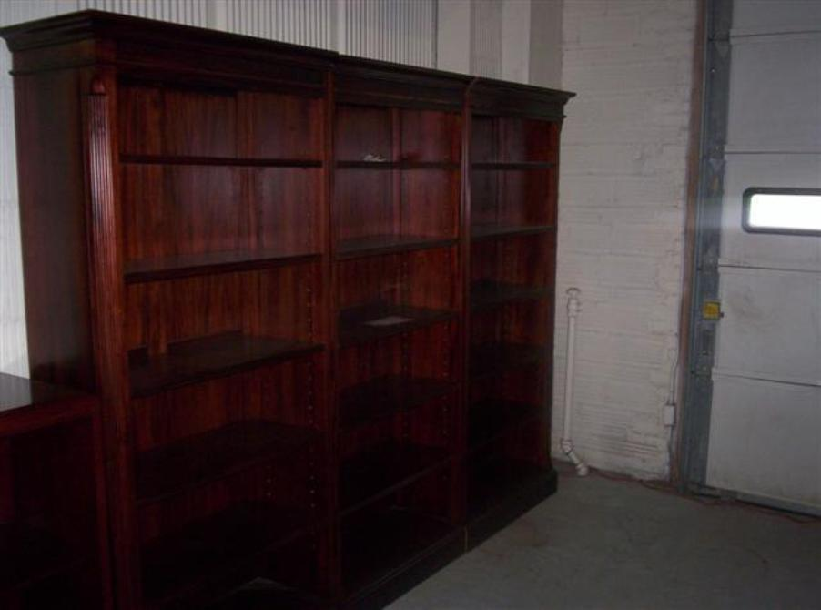 Image of: Mahogany bookcase solid