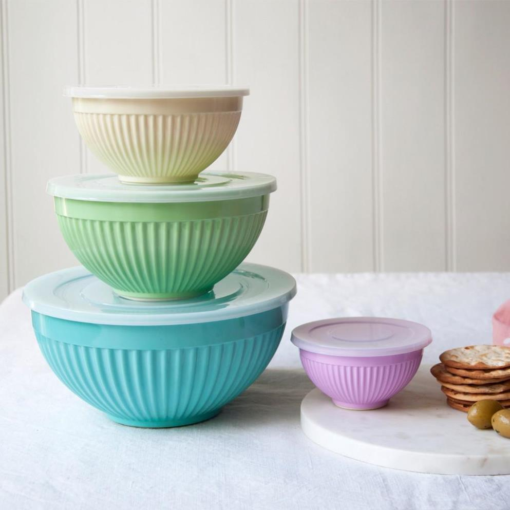 Image of: Melamine Bowls With Lids