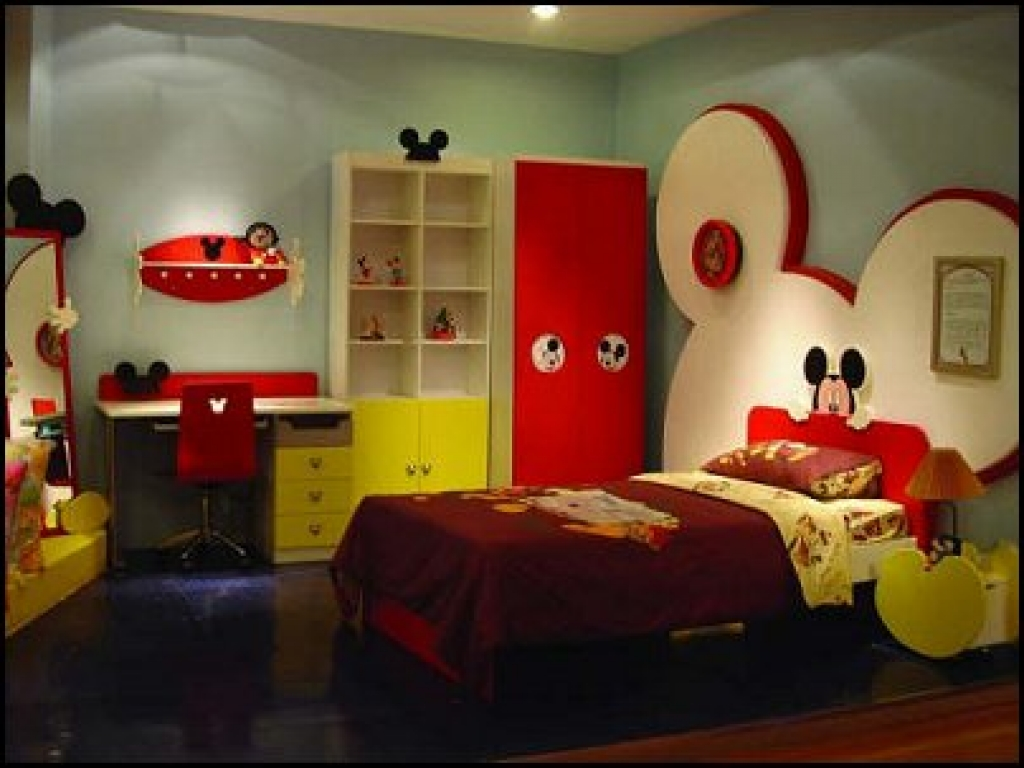 Image of: Mickey Mouse Bedroom Decors