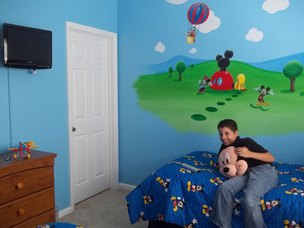 Image of: Mickey Mouse Bedroom Pictures
