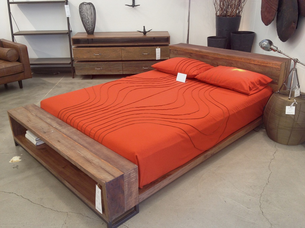 Image of: Mid Century Modern Queen Size Bed