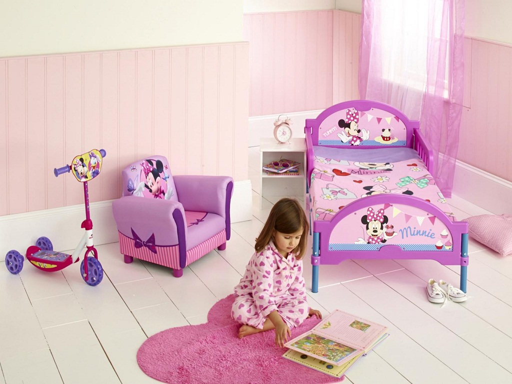 Image of: Minnie Mouse Bedroom Decor Clearance