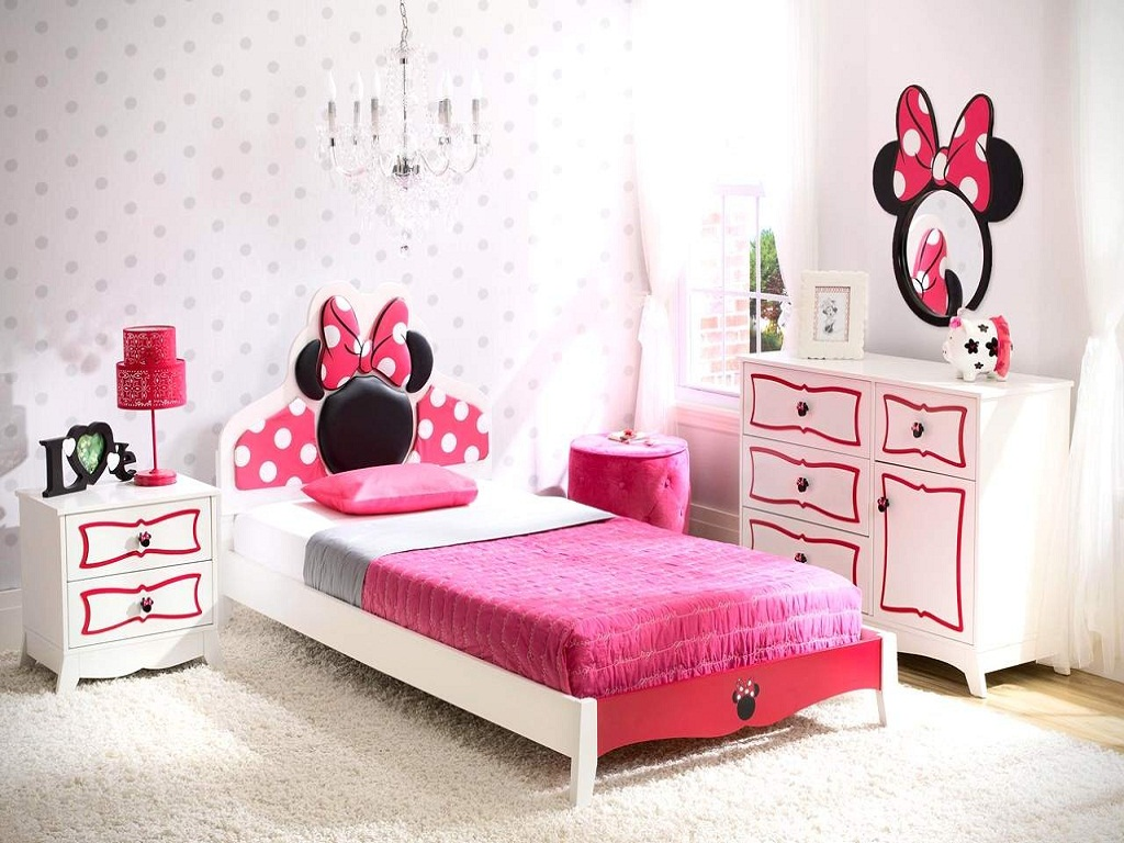 Image of: Minnie Mouse Bedroom Decor Target
