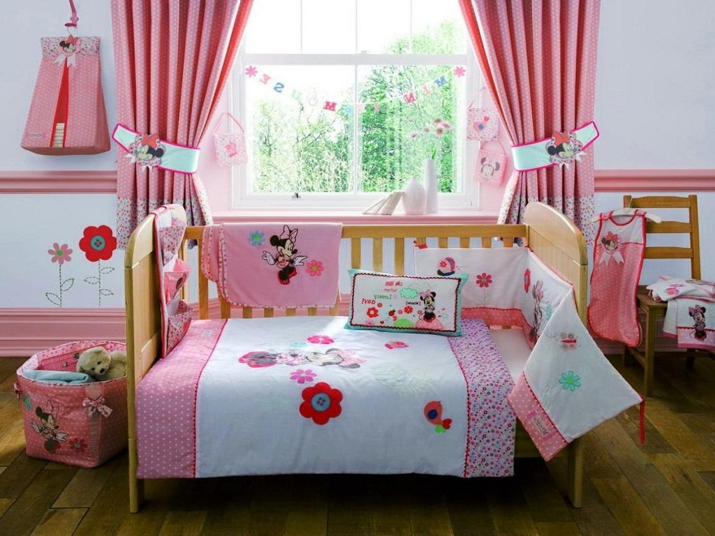 Image of: Minnie Mouse Room Decor For Babies