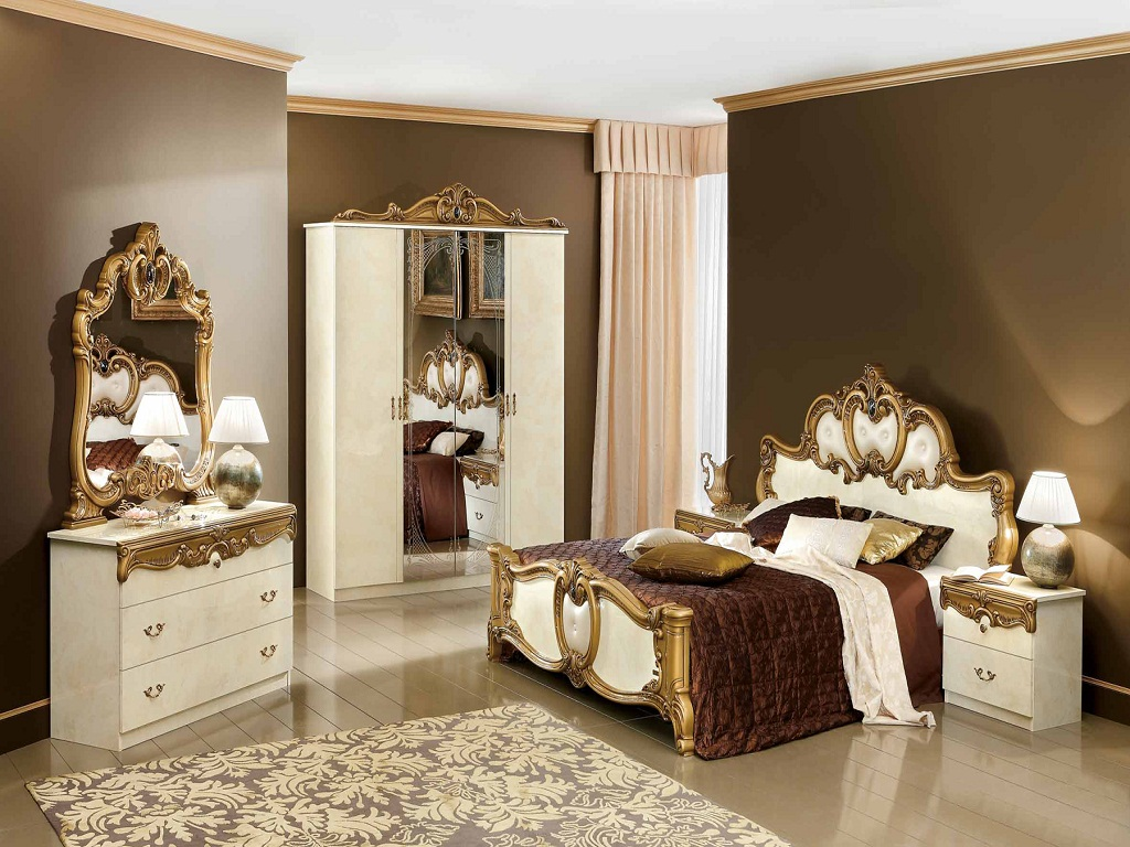 Image of: Mirrored Bedroom Furniture Setsphotos