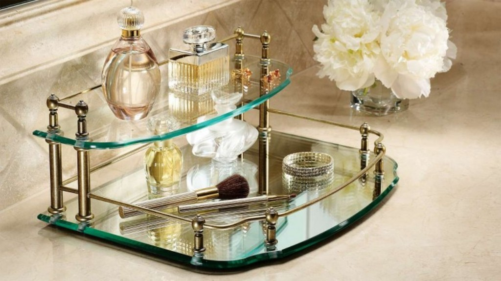 Image of: Mirrored Vanity Set For Top of Dressers