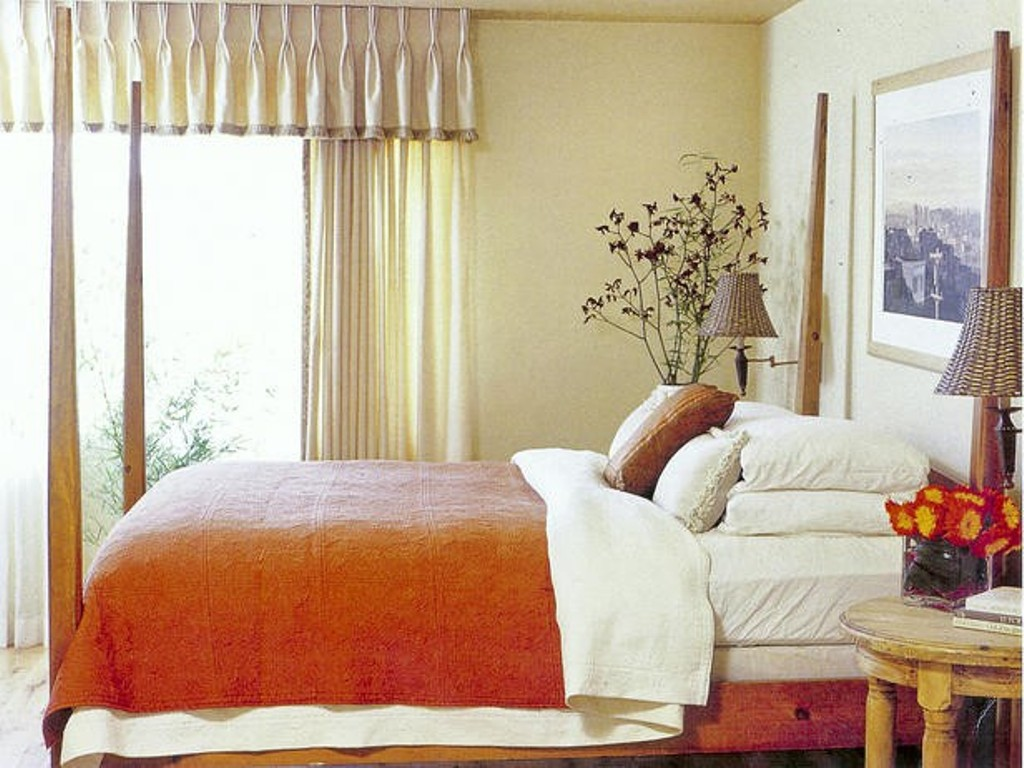 Image of: Modern Bedroom Curtain Decor Ideas