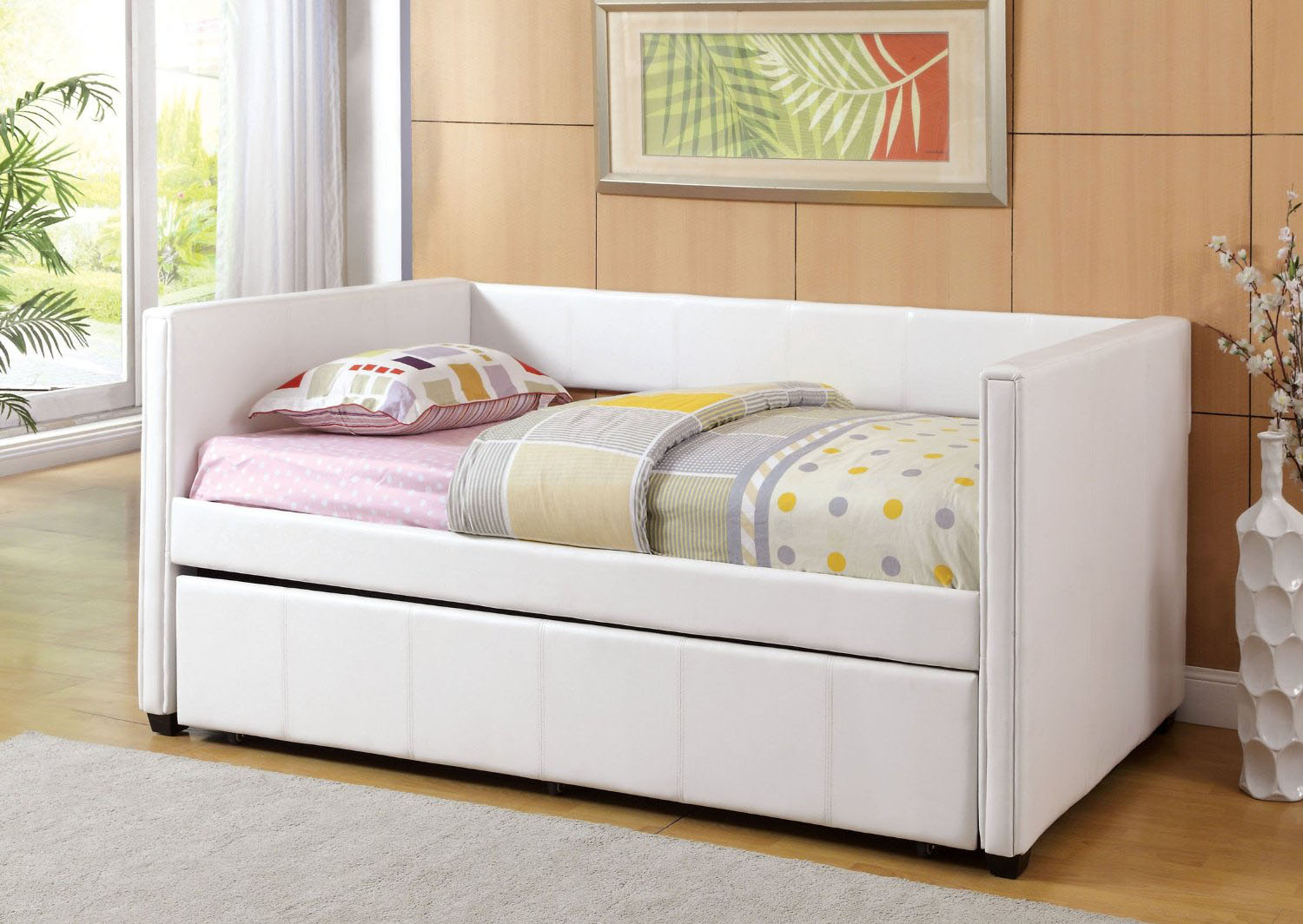 Image of: modern daybeds with trundle
