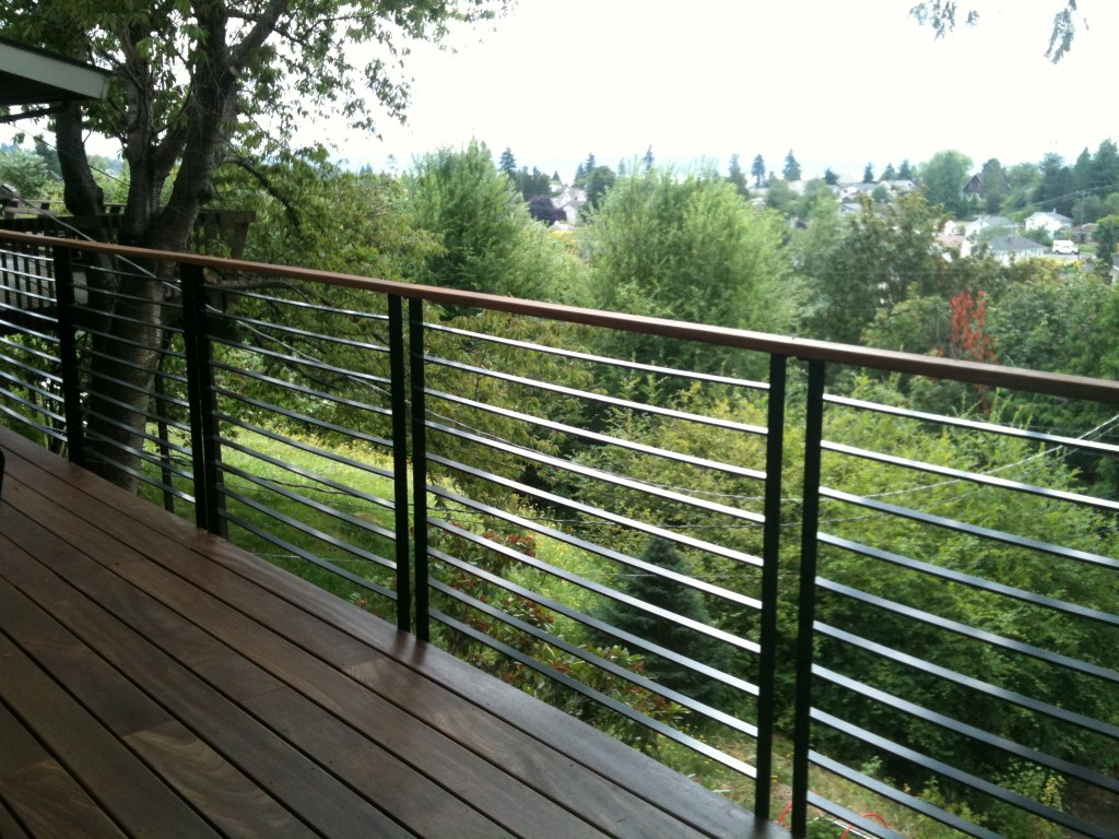 Image of: Modern Deck Railing Attachment