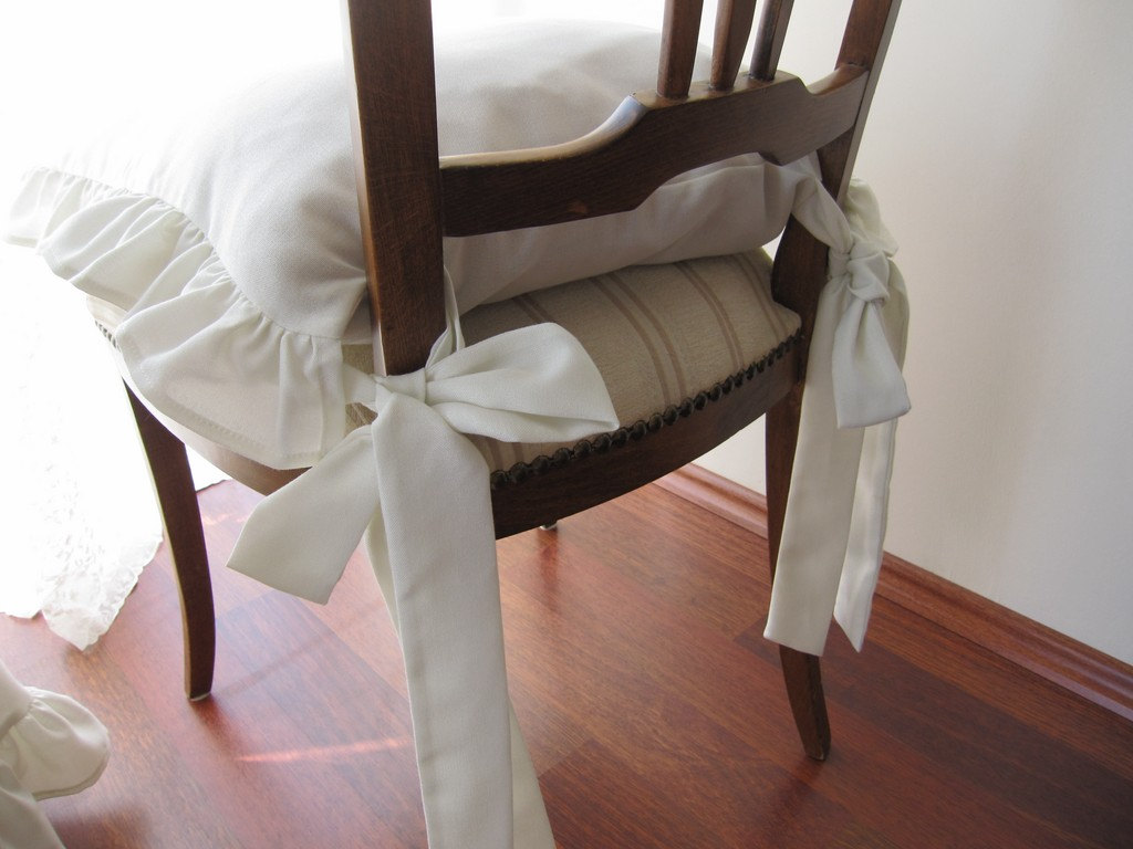Image of: modern dining chair cushions