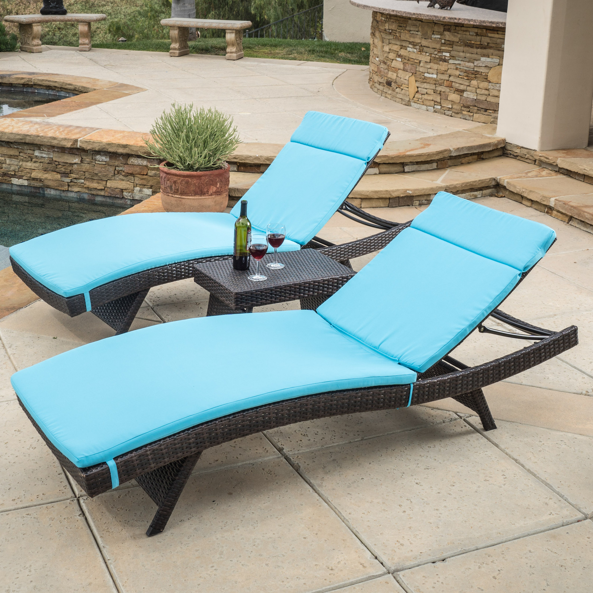 Image of: Modern Folding Chaise Lounge Chair