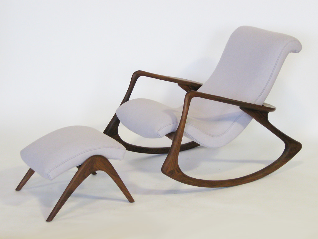 Image of: Modern Glider Rocking Chairs