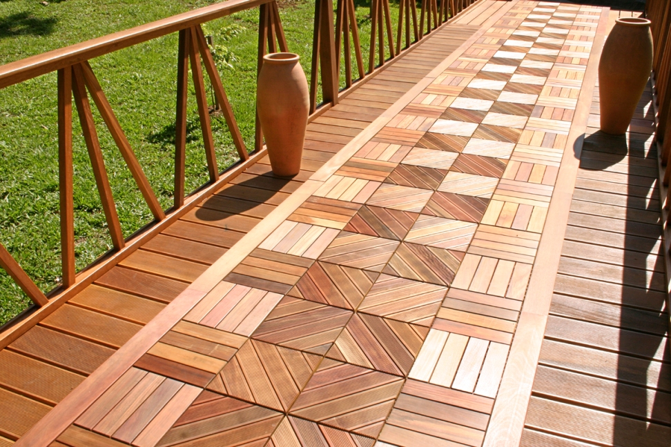 Image of: Modern Interlocking Wood Deck Tiles