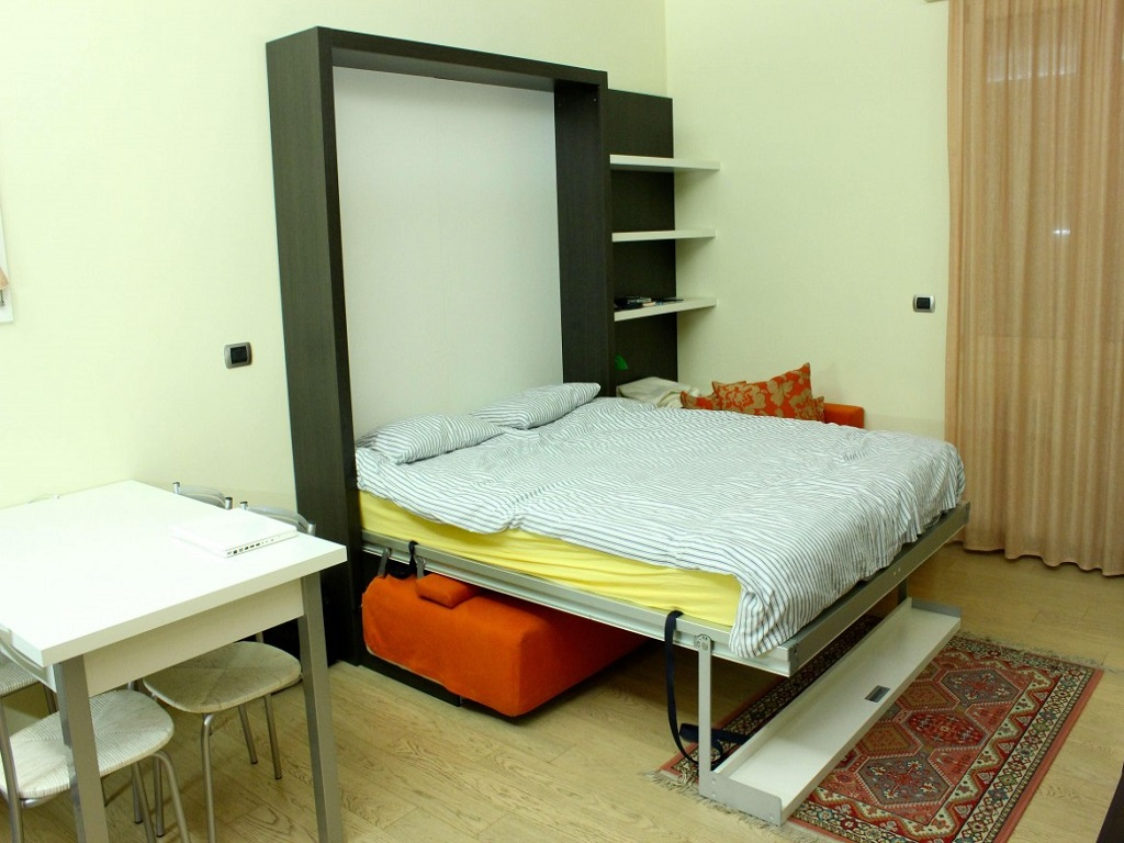 Image of: Modern Murphy Bed With Desk