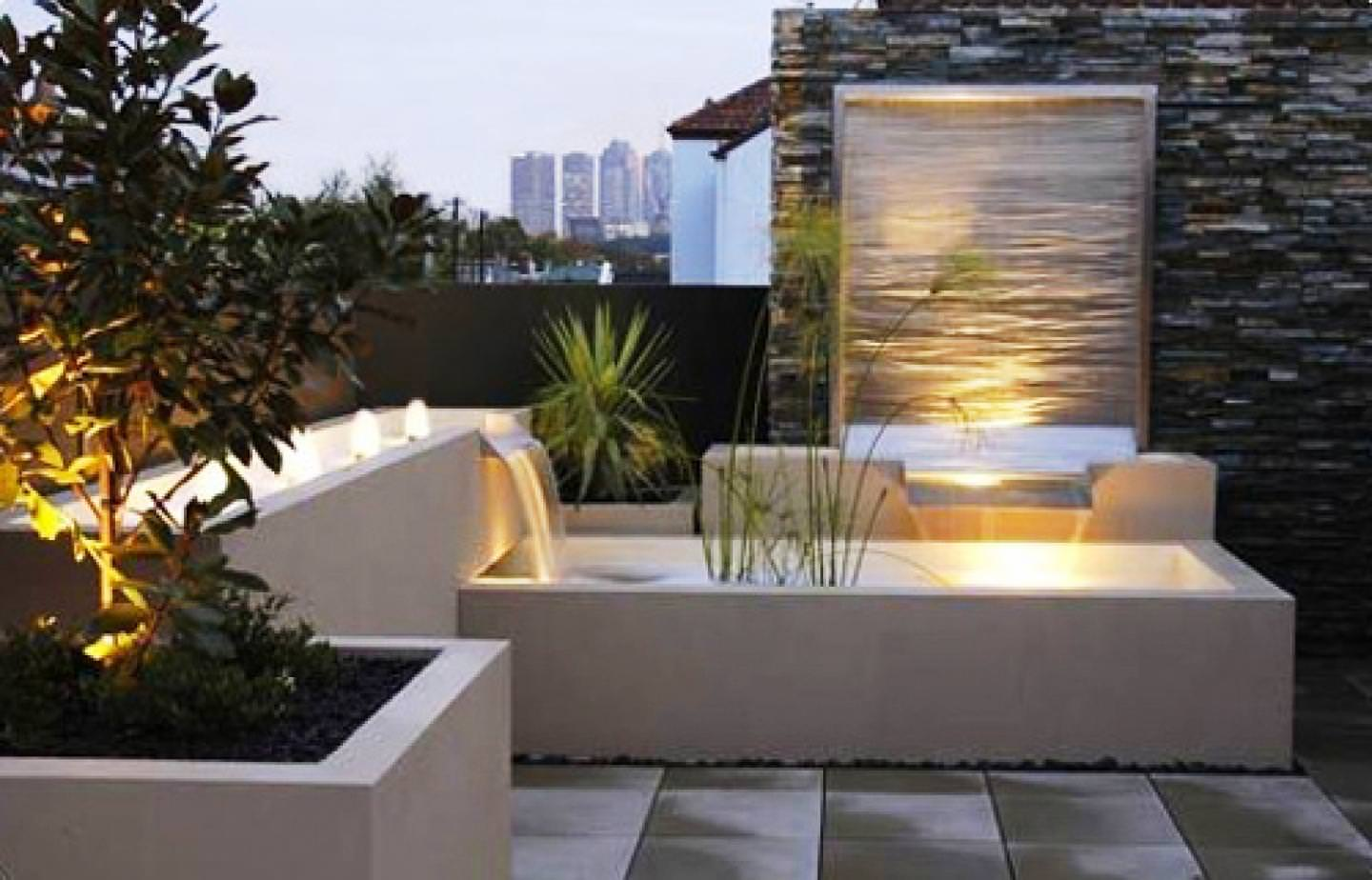 Image of: Modern Outdoor Water Fountains Plan