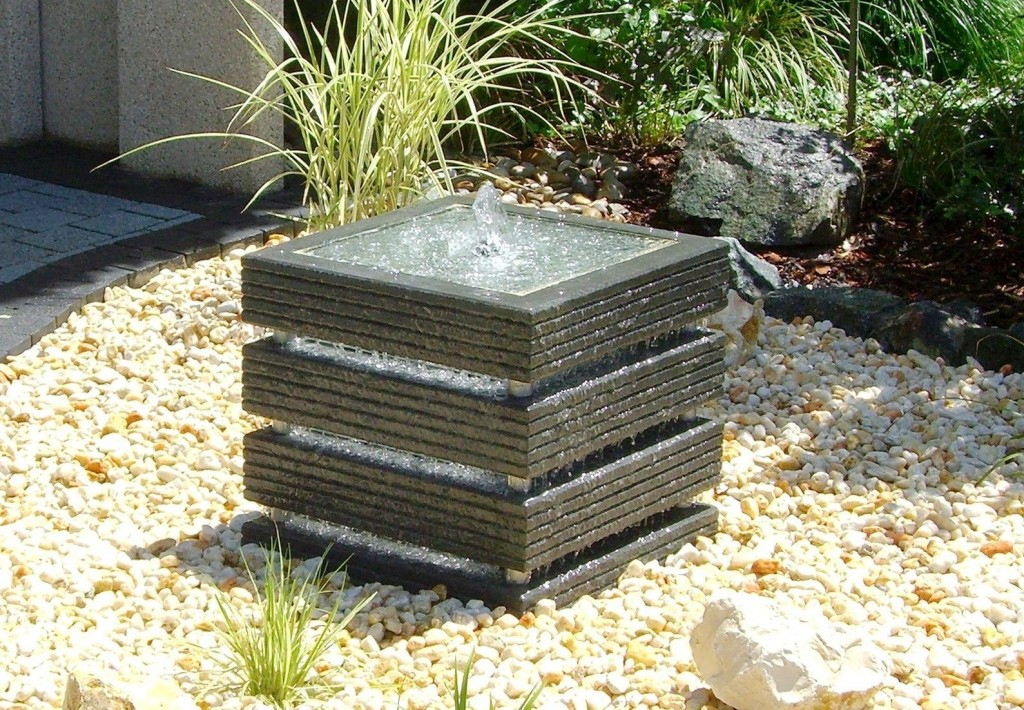 Modern Outdoor Water Fountains Style