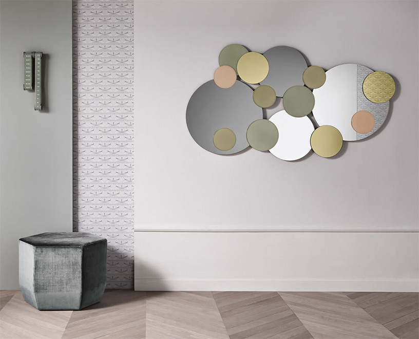 Image of: Modern Wall Mirrors Round Size