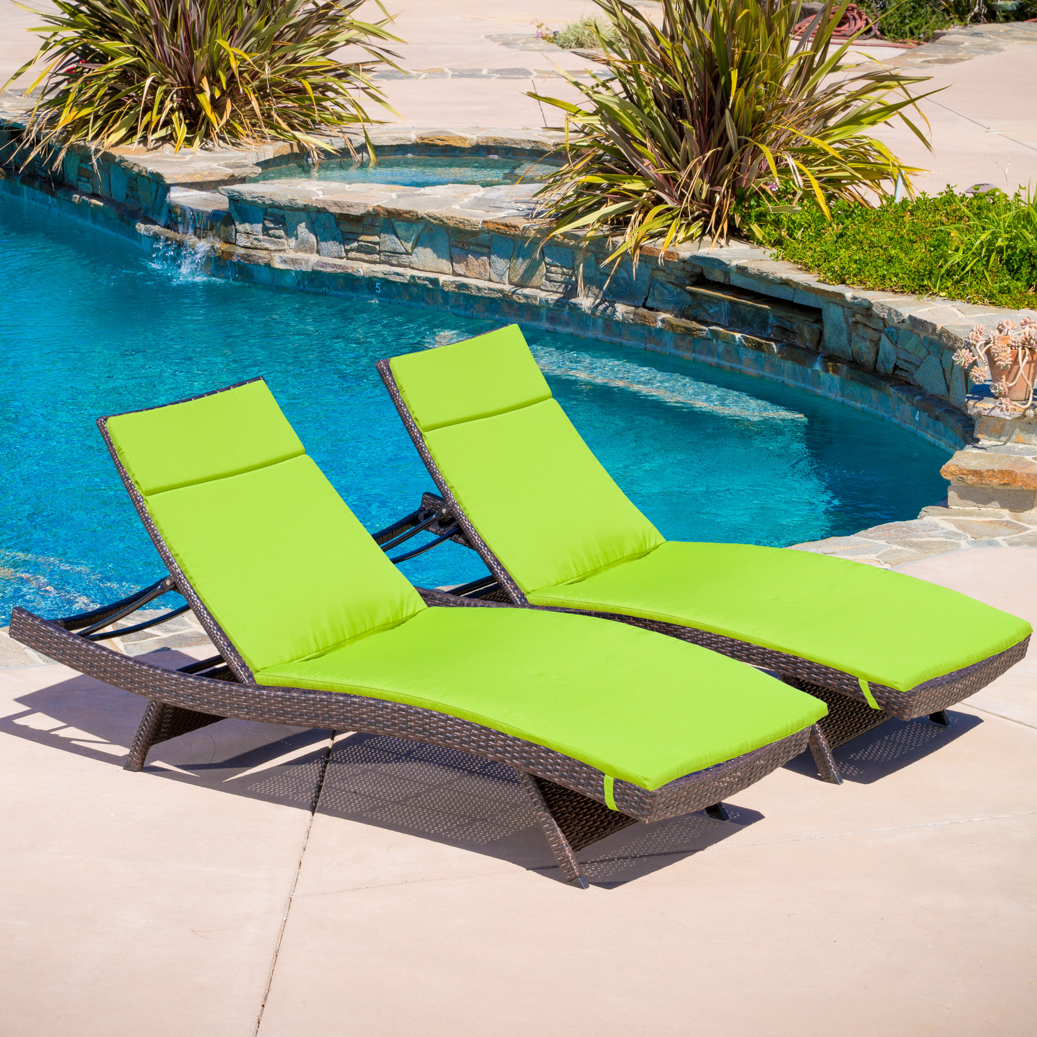 Image of: New Folding Chaise Lounge Chair