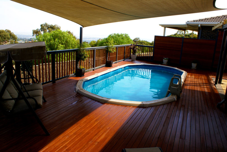 Image of: Nice Oval Pool Decks