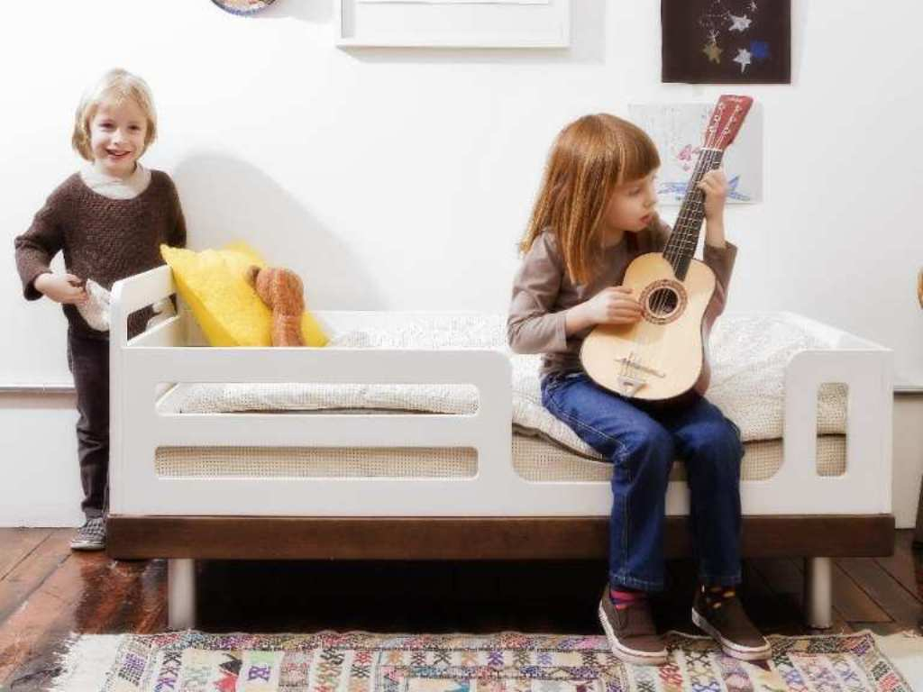 Image of: Oeuf Toddler Bed Canada