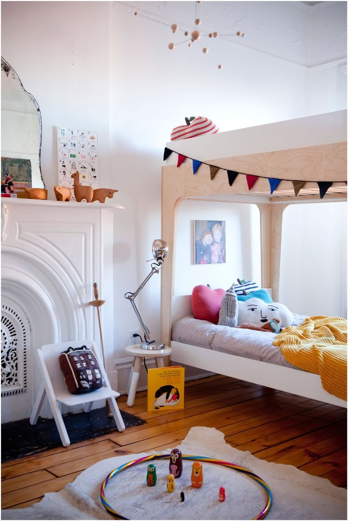 Image of: Oeuf Toddler Bed Perch