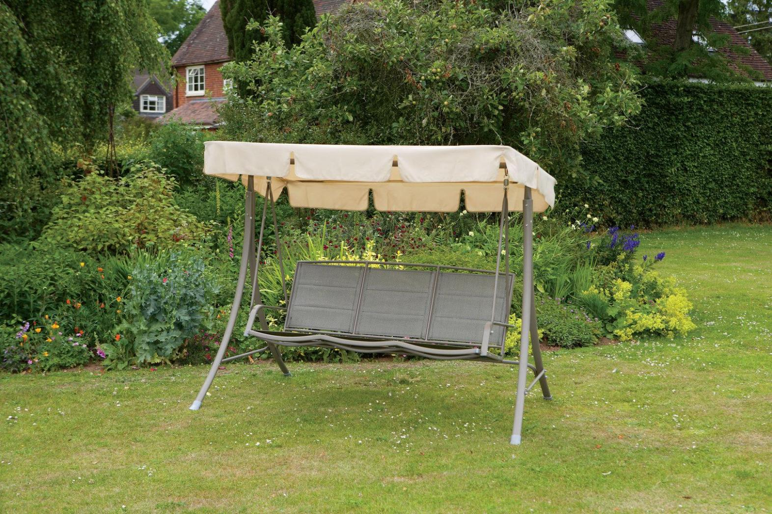 Image of: Outdoor Garden Swings With Canopy