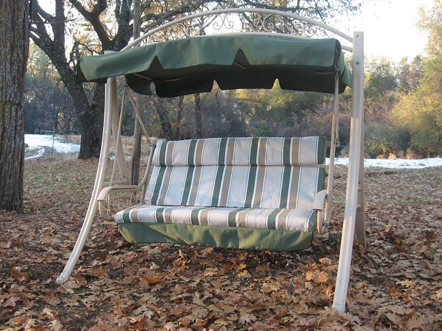 Image of: Outdoor Glider with Canopy Color