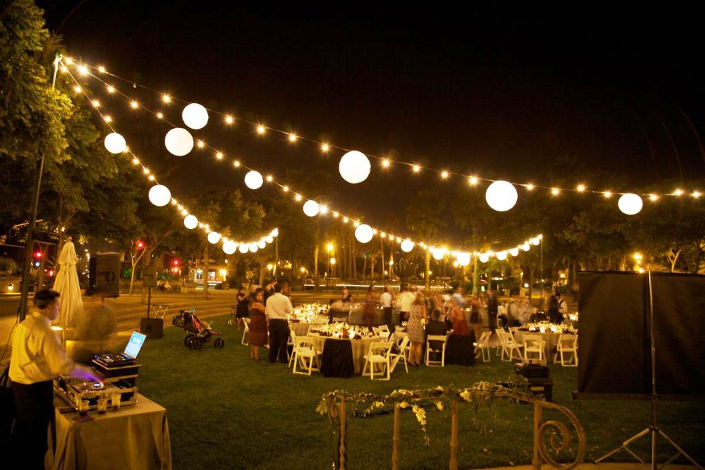 Image of: Outdoor Patio String Lights Commercial
