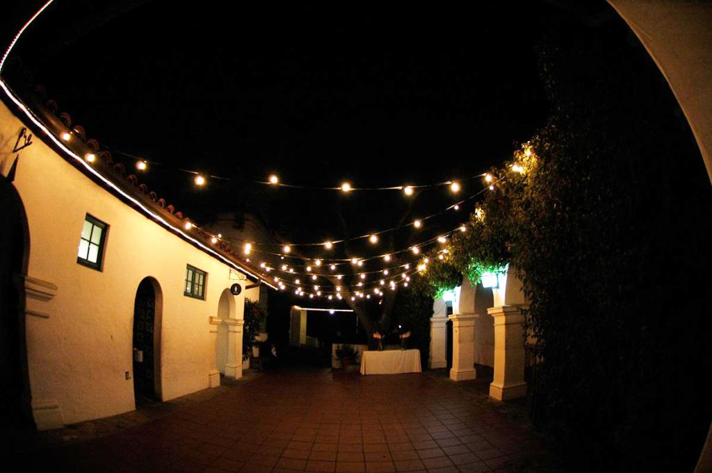 Image of: Outdoor Patio String Lights Ideas