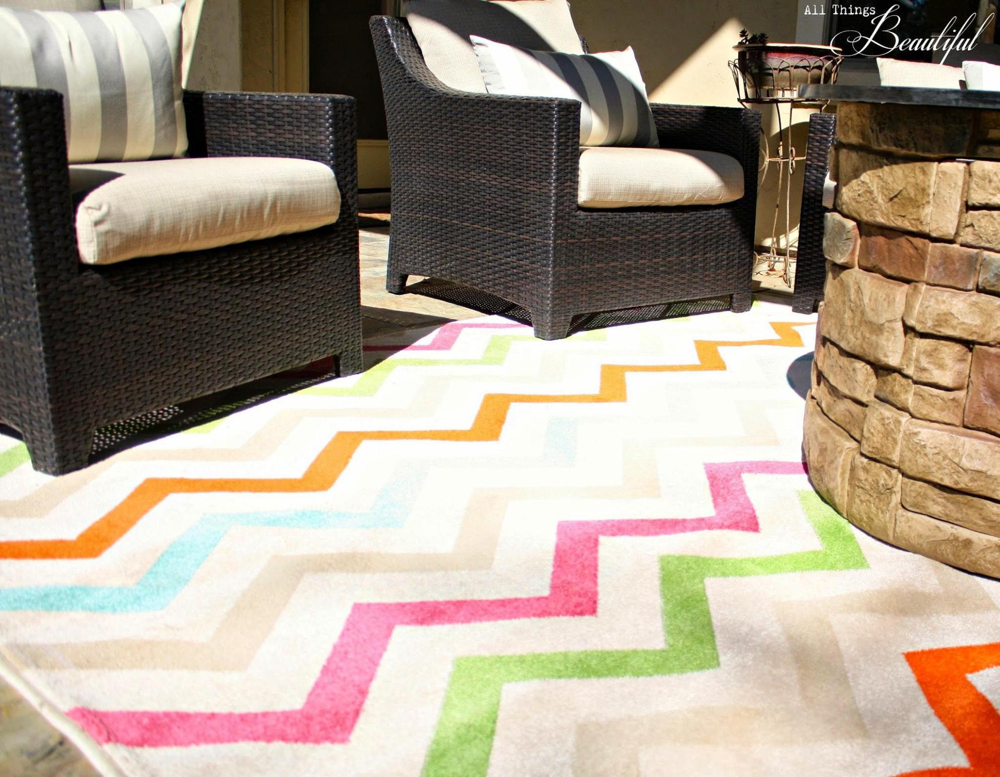 Image of: Outdoor Rugs For Patios Chevron