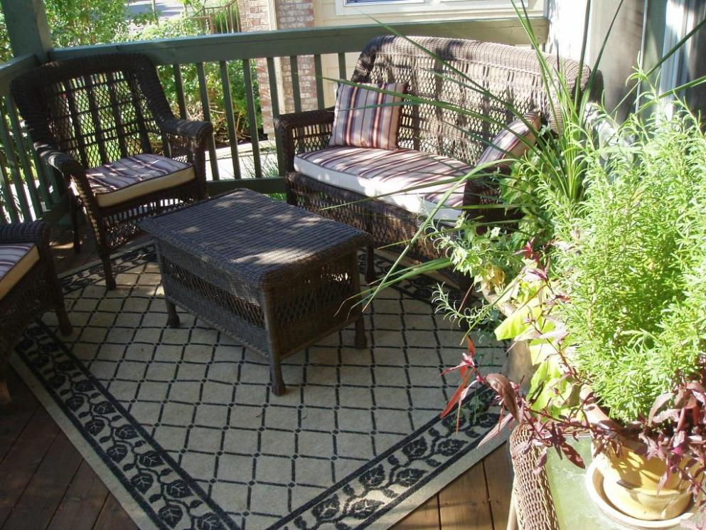 Image of: Outdoor Rugs For Patios Clearance