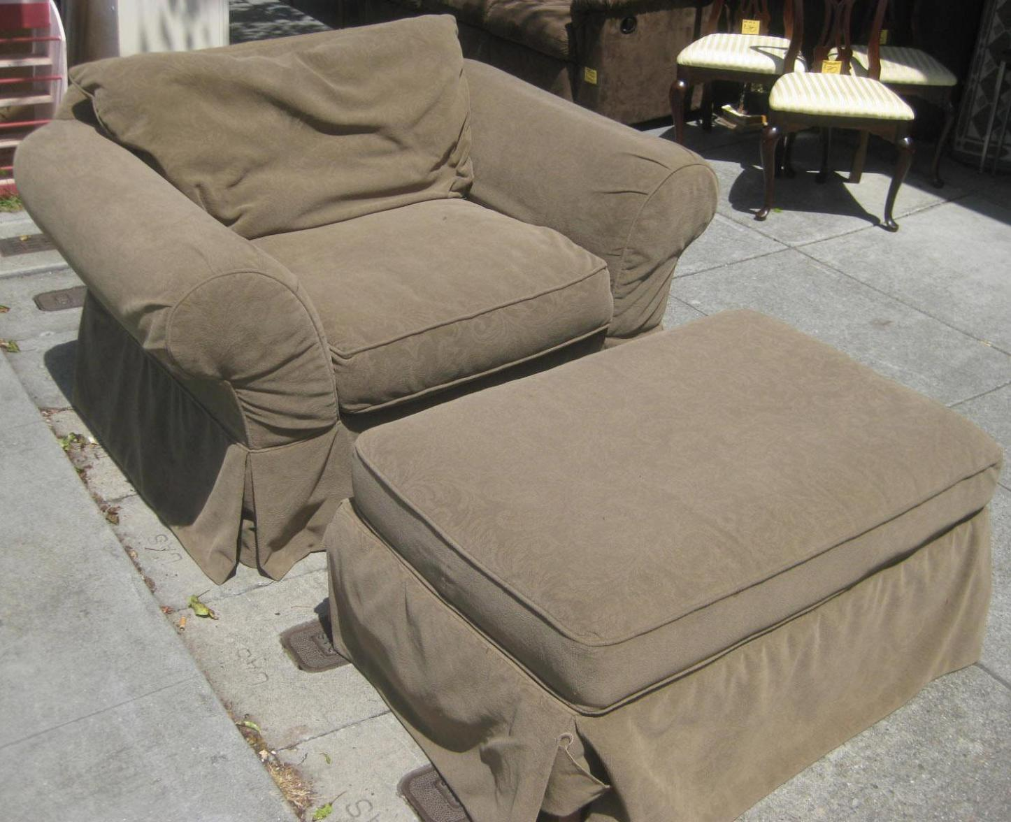 Image of: Oversized Chair And Ottoman Slipcovers