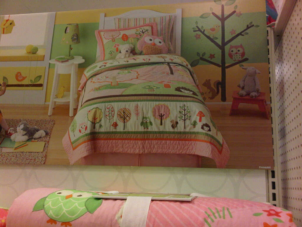 Image of: Owl Bedroom Decor for Adults