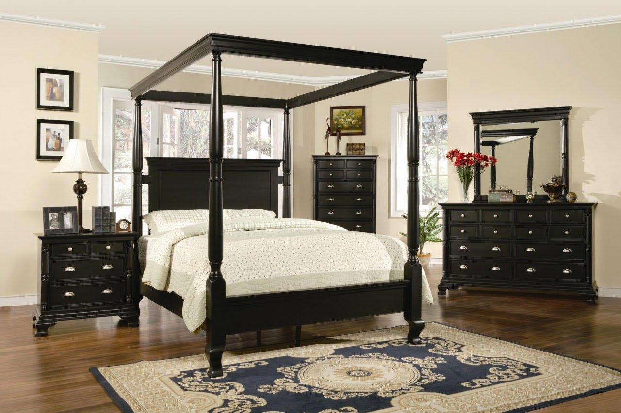Image of: Painted King Canopy Bedroom Sets